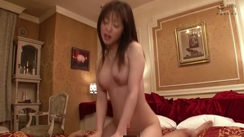 篠田ゆうベスト4時間 日本一のクビレ、男殺しの尻を持つ軟体エビ反りスペシャルのサンプル画像3