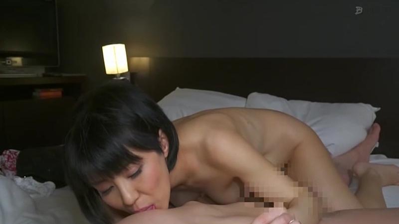 旦那不在の昼下がり 本能のまま1day不倫セックスでイキまくる素人妻のサンプル画像7