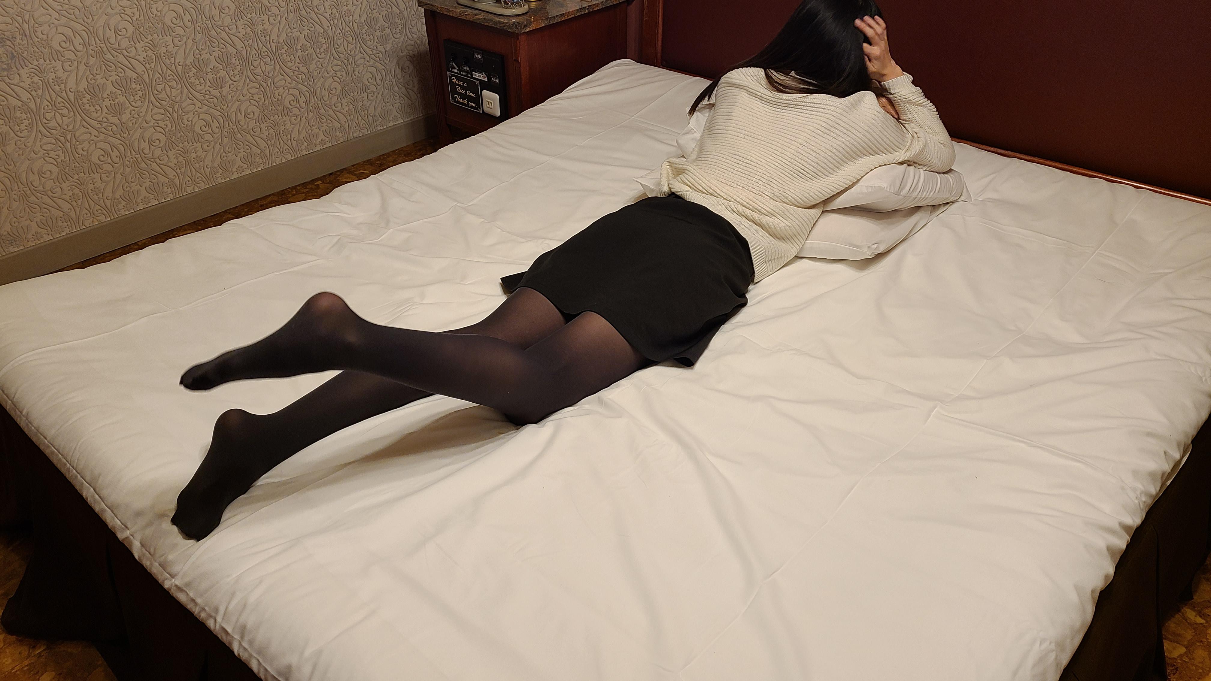 長身美脚★スパンキング動画のサンプル画像1