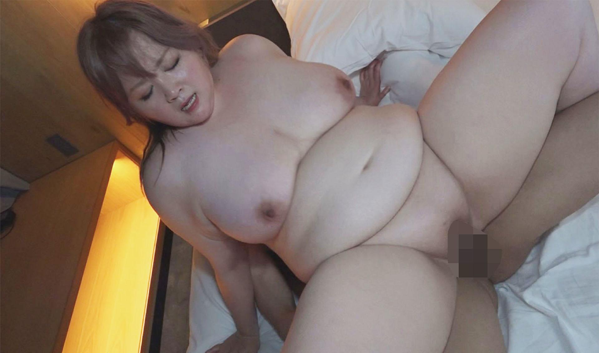 日本で一番ドスケベなおデブさん認定!ぽっちゃり熟女専門店のカリスマ爆乳風俗嬢、痴女りまくり15発射させるプライベート動画公開します。律子(53歳)のサンプル画像4
